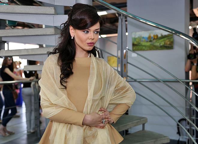 Алина Гросу перевоплотилась в Анджелину Джоли