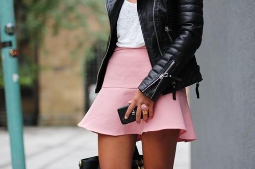 Как носить розовый цвет