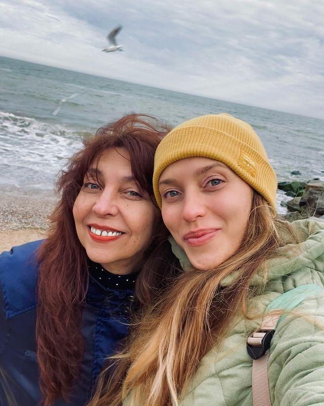 Регіна Тодоренко з мамою