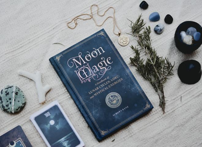 Розклад таро на місяць за знаками зодіаку