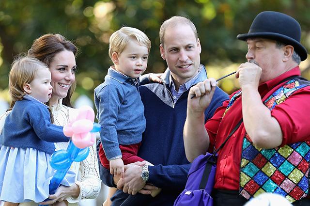 Кейт Миддлтон и принц Уильям з дітьми (COVER)