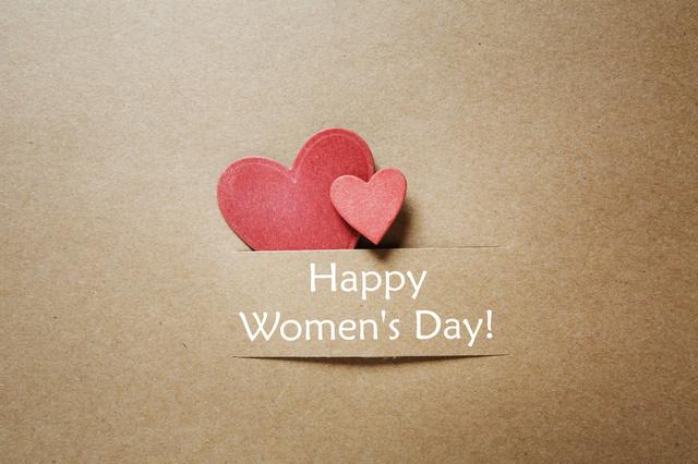 Романтические открытки на женский день