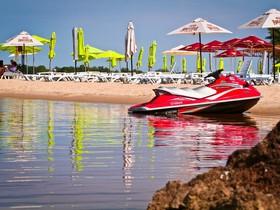Платные пляжи Киева: Маячок beach club