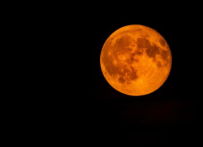 Лунное затмение 5 июня: лучшие фото