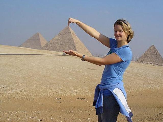 Самые смешные фото украинцев за границей: Египетские пирамиды