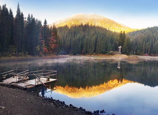 Куда поехать летом: 5 самых красивых и популярных озер Украины