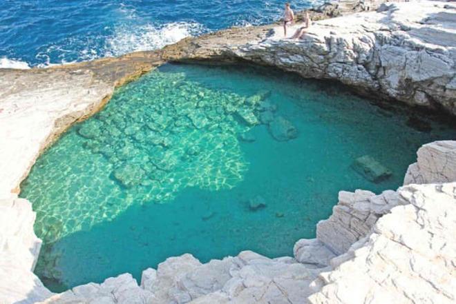 Жемчужина у моря: лагуна Гиола в Греции