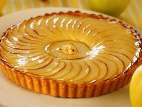 Яблучний пиріг з абрикосовим джемом