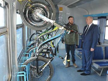 В Україні презентували перший вагон для велосипедів