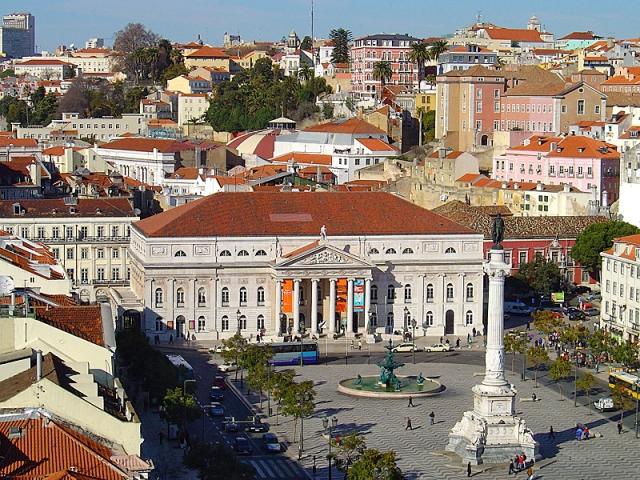 Достопримечательности Лиссабона: площадь Росиу