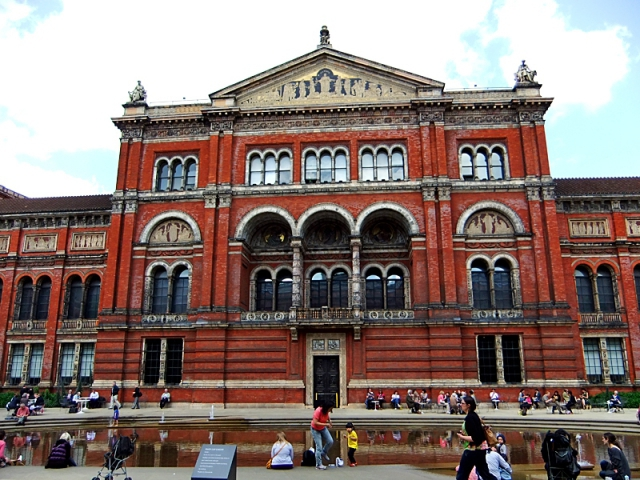 Достопримечательности Лондона: Victoria & Alberts Museum