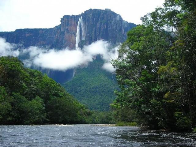 Водопад Анхель в Венесуэле