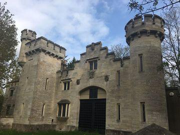 Longs Park Castle