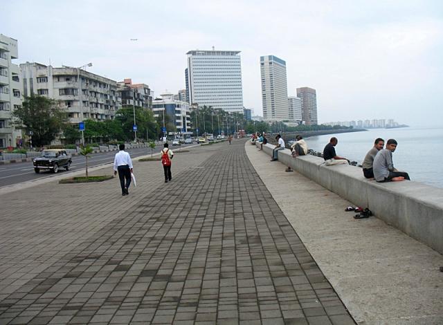 Достопримечательности Мумбаи: набережная Марин-драйв