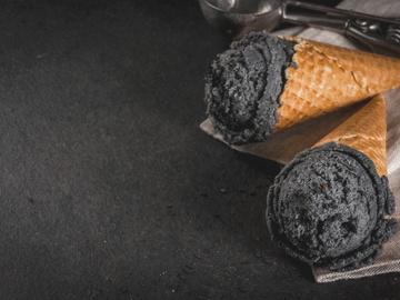 Чорне морозиво