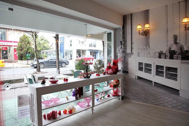 Стамбульські магазини солодощів. Cemilzade