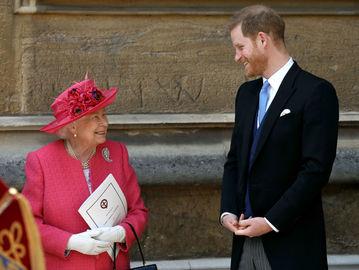 Елизавета II и принц Гарри