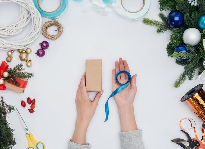 Елочные игрушки с елки на елку