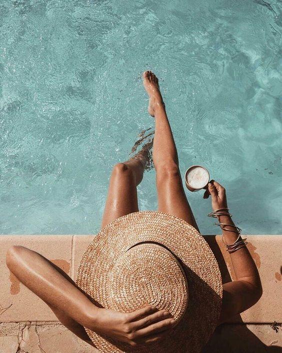 Insta-шпаргалка: 15 поз для фото біля басейну
