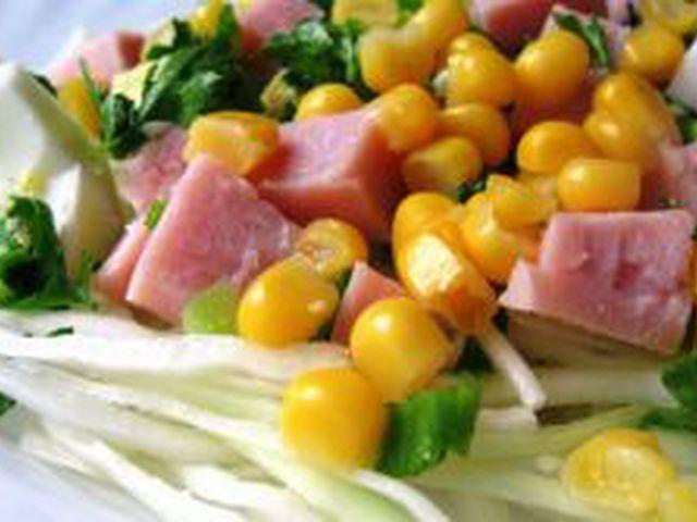 Салат из капусты ветчины кукурузы