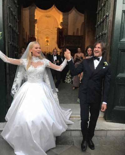 Віта Сидоркина весільну сукню