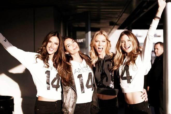 Моделі Victoria's Secret перед польотом до Лондона