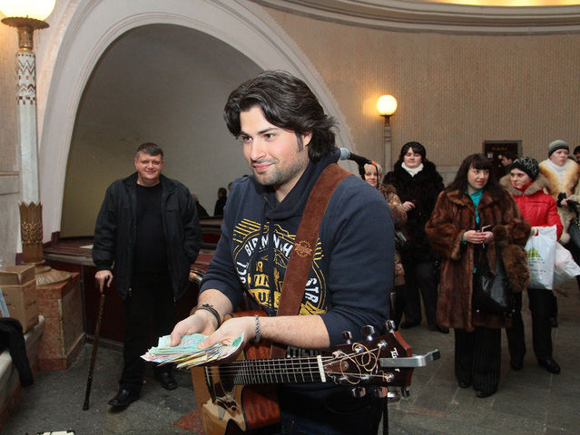 Владимир Ткаченко в метро