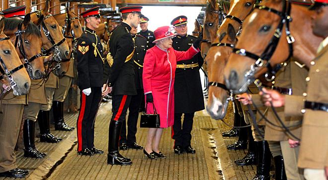 Де можна зустрітися поглядом з монархом: Єлизавета II