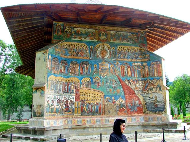 Монастырь Воронец в Румынии