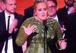 Адель отдала свою награду Грэмми 2017 Бейонсе
