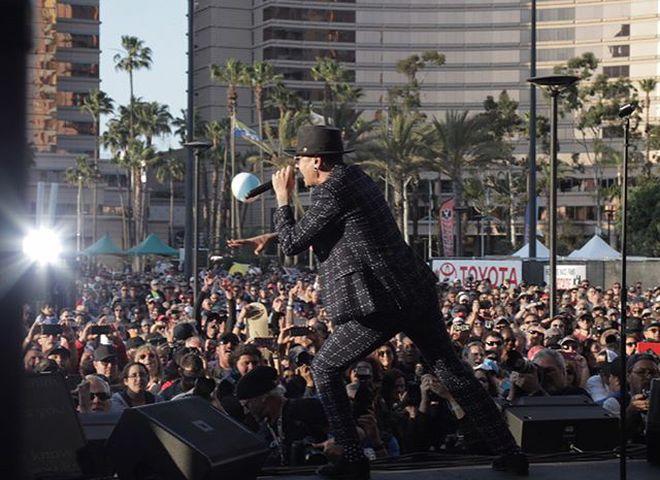 Linkin Park создала виртуальный мемориал покончившему с собой солисту Честеру Беннингтону