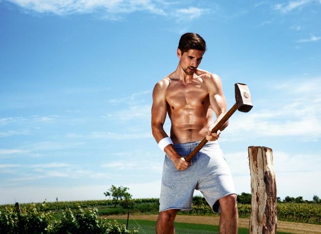 Австрийские фермеры в сексуальной фотосессии для эротического календаря