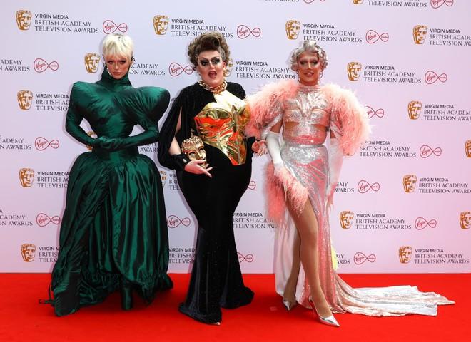 Біміні Бон-Булаш, Лоуренс Чейні та A'Whora на BAFTA TV Awards 2021