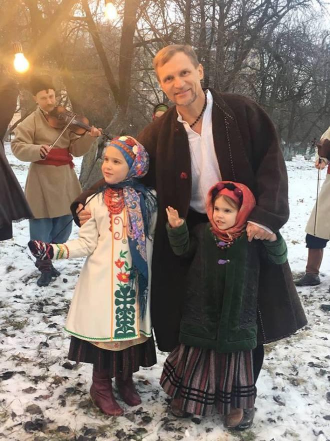 Олег Скрипка з дітьми