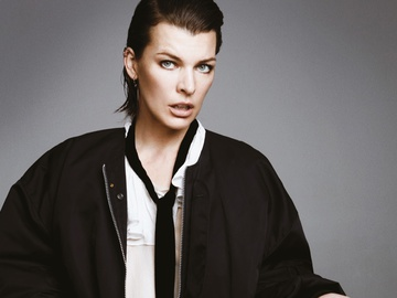 Бунтарский дух: Мила Йовович в фотосессии для Glass Magazine