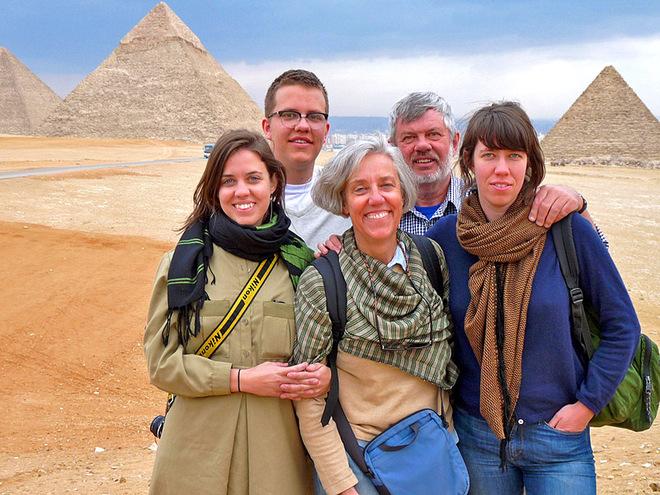 Сфотографуватися на фоні пірамід