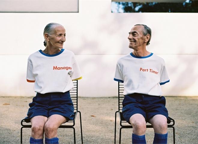 Разом назавжди: соціальні мережі розчулила стильна фотосесія літньої пари