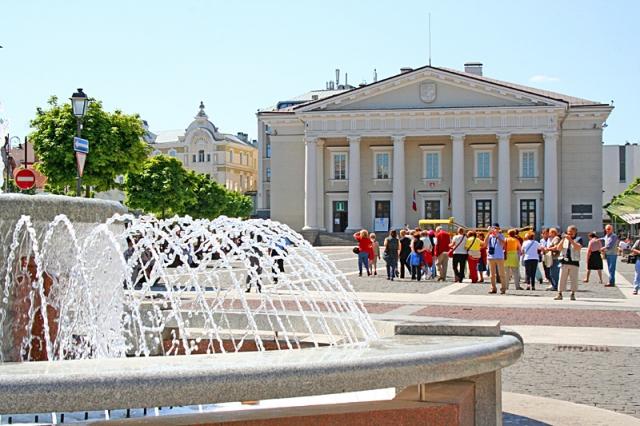 Достопримечательности Вильнюса: Ратушная площадь