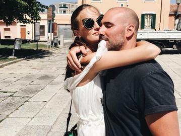 Алла Костромічова з чоловіком Джейсоном Капоне