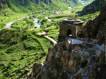 9 самых интересных достопримечательностей Грузии