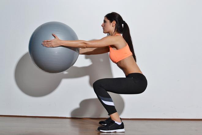 10 вправ для струнких ніг й пружної попи