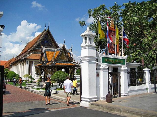 Достопримечательности Бангкока: национальный музей Таиланда