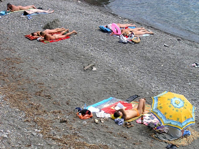 Нудистские пляжи Крыма: Алушта