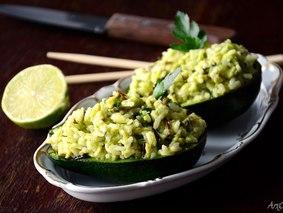 Рис с авокадо, лаймом и петрушкой