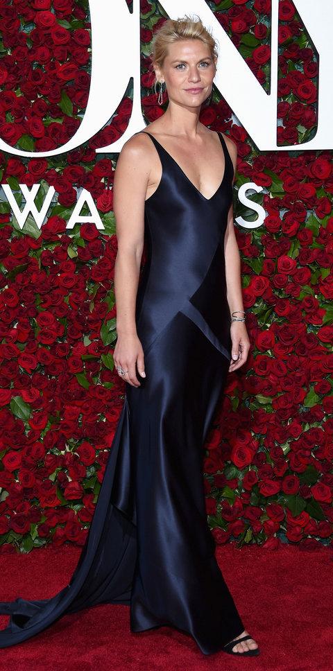 Клер Дейнс на червоній доріжці Tony Awards 2016