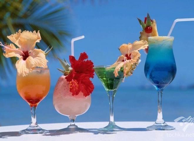 Топ-10 найбільш незвичайних алкогольних напоїв