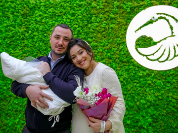 Наталка Карпа с мужем и дочерью