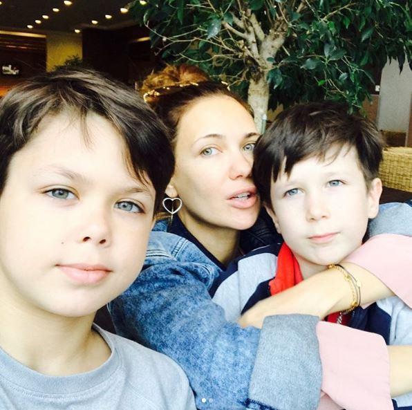 Екатерина Климова на отдыхе с детьми