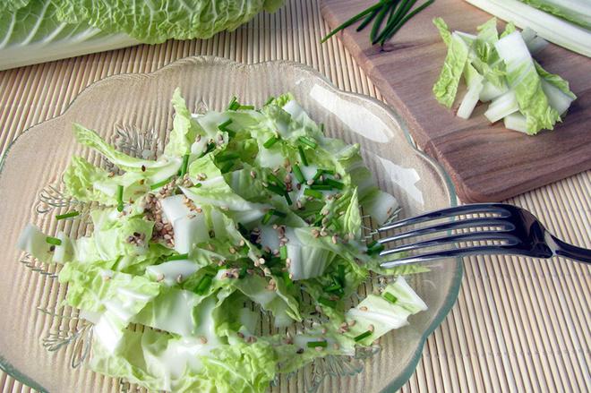 Салат з пекінської капусти, пекінська капуста, сезам, спеції, олія