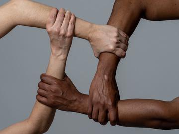 Зірки проти расизму: як Ріанна, Кеті Перрі, Кім Кардашьян та інші підтримали протести